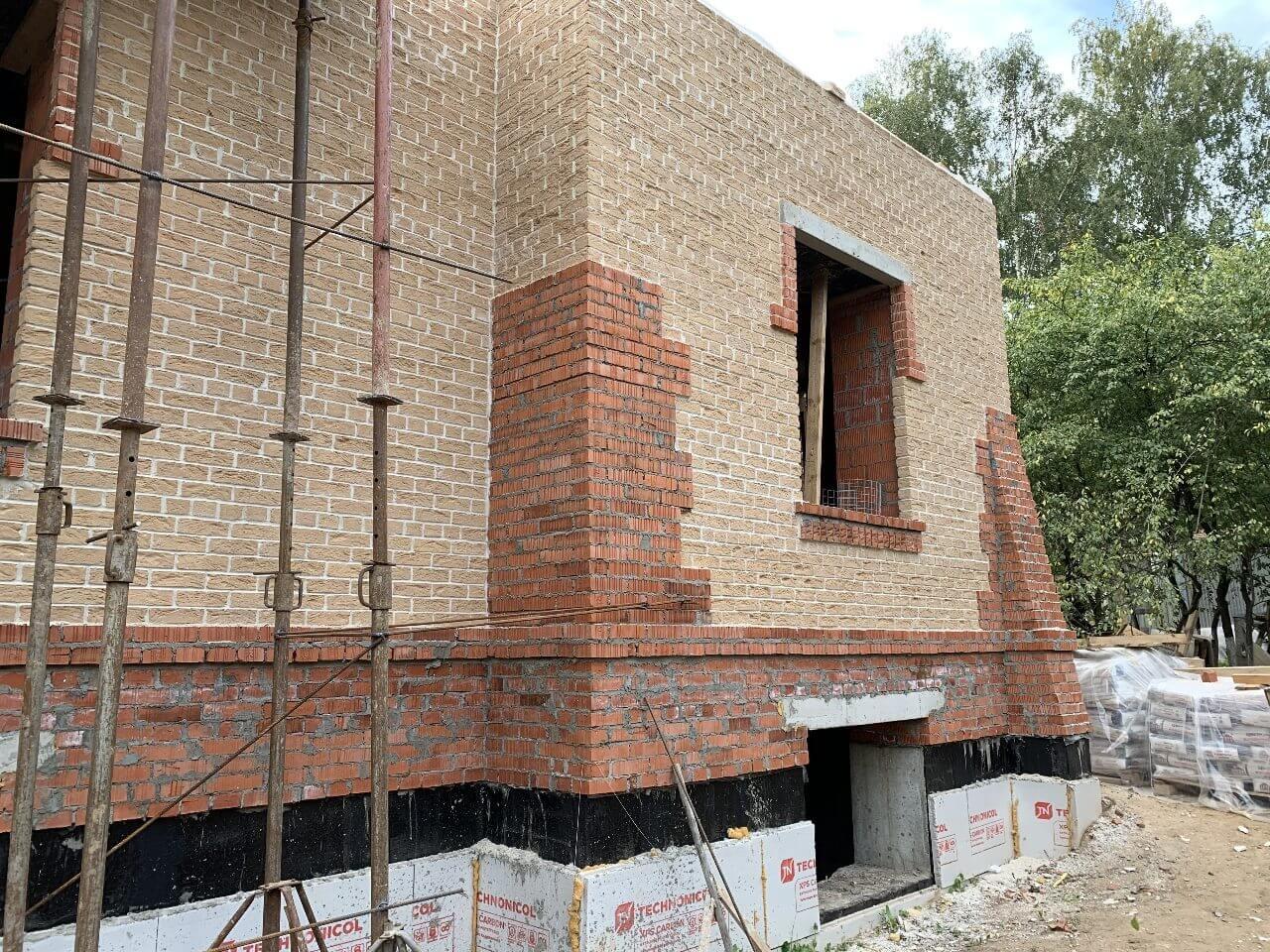 Кладка стен 1-го этажа строения
